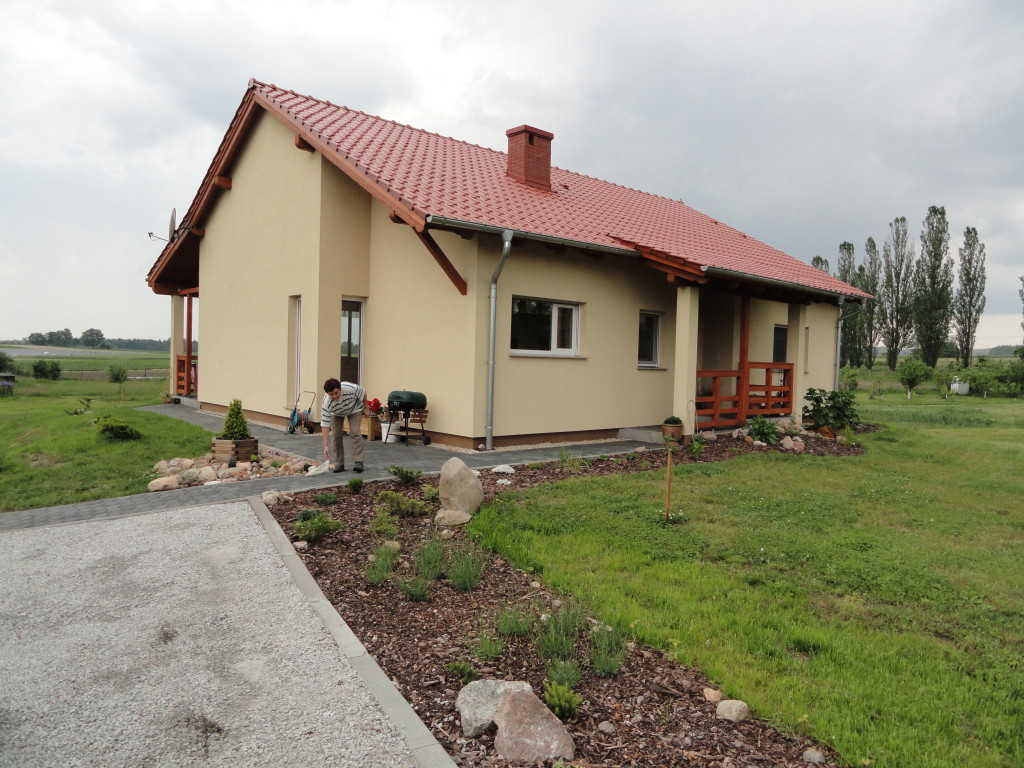 Dom jednorodzinny w Łochowie k. Świdnicy -2011